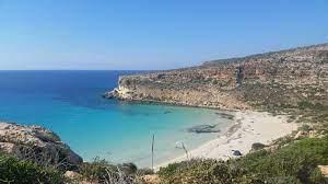 Ambiente, nuove regole per accedere alla spiaggia dei conigli a Lampedusa