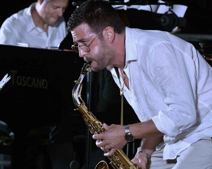 Un viaggio onorico tra le onde sonore: il concerto di Francesco Cafiso a Pozzallo