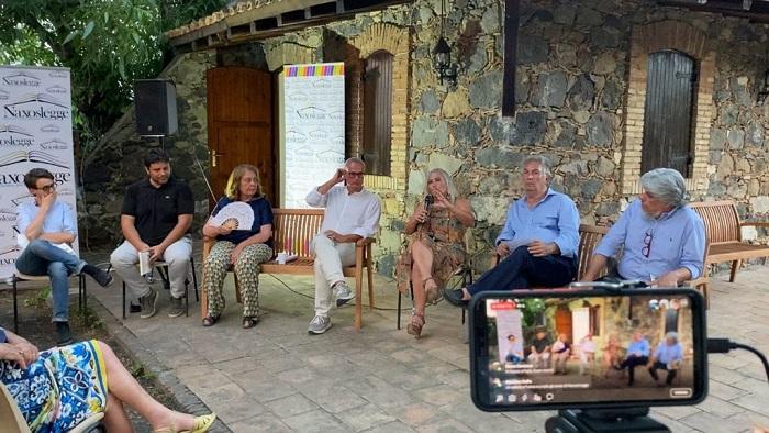 Naxos legge, festival delle narrazioni, della lettura e del libro a Taormina