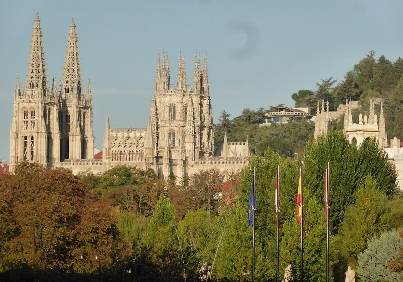 La Cattedrale di Burgos: gli incontri on line dell'Istituto Cervantes di Palermo